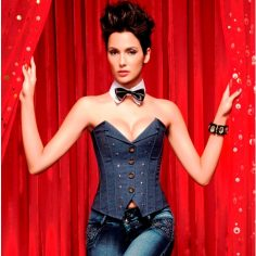 How To Wear Corsets Like A Diva